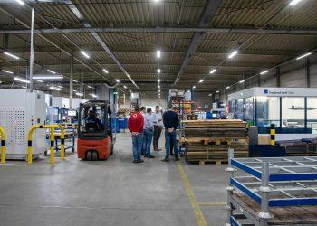 Inspiratiebezoek bij de slimme fabriek van de toekomst: BOZ Group in Bergen op Zoom